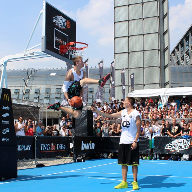 Dunk Elite joins forces with K1X, continues dunking revolution around the world